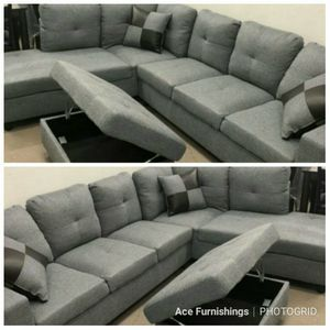 Brand New Grey Denim Linen Sectional With Storage Ottoman for Sale in Puyallup, WA