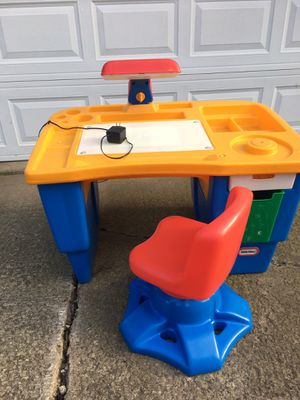 Little Tikes Desk with Swivel Chair for Sale in Silver Lake, OH