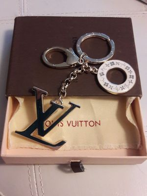 LV Key Chain Gold Tone for Sale in Miami, FL