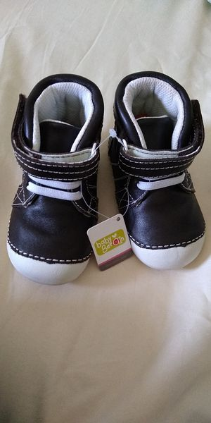 New genuine leather toddler size 5 boots for Sale in Sully Station, VA