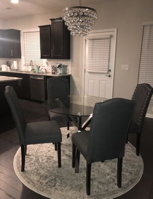 Round Dining Table for Sale in Lilburn, GA