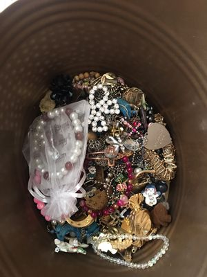 Broken some wearable great for crafts costume jewelry lot for Sale in San Jose, CA