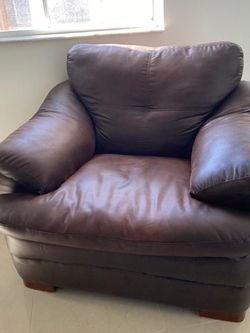 Leather Sofa for Sale in Hialeah,  FL