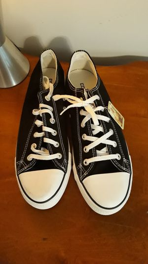 new converse womens 9.5 for Sale in Rockmart, GA