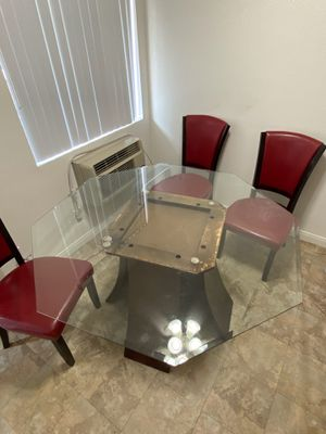 Glass dining table with 4 chairs for Sale in Los Alamitos, CA