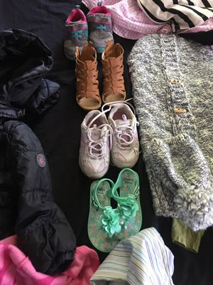 Girl and boy clothes, car seat, mattress for Sale in Kansas City, KS