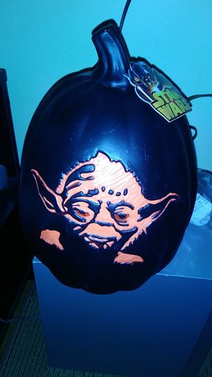 Star wars yota plug in pumpkin for Sale in Indianapolis, IN