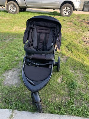 GRACO STROLLER ..almost new used it few times than I needed a double stroller. for Sale in Lake Elsinore, CA