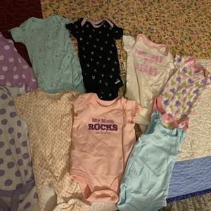 Baby Girl Onesies 0-3 M Northwest Side of Chicago- Pick Up for Sale in Chicago, IL