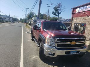 2500 hd chevi silverado 2013 motor 6.6 turbo diésel 76117 millas for Sale in Danbury, CT