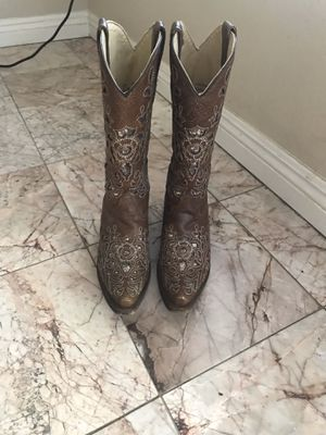 Women's cowboy boots for Sale in Ontario, CA