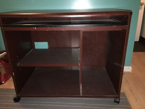 Computer Desk with Pull Out Keyboard for Sale in Wheaton, MD