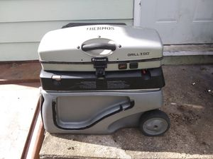 Grill cooler combo for Sale in Varna, IL
