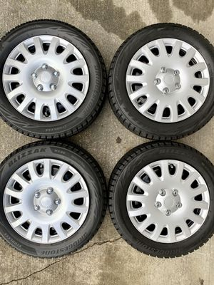 "205 55 16 Blizzak studless winter tires on 16"" Steel rims 5x108 & 5x114.3 for Sale in Federal Way, WA"