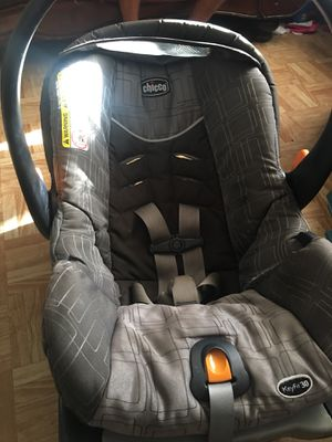 Chicco KeyFit 30 Magic Infant Car Seat for Sale in Houston, TX