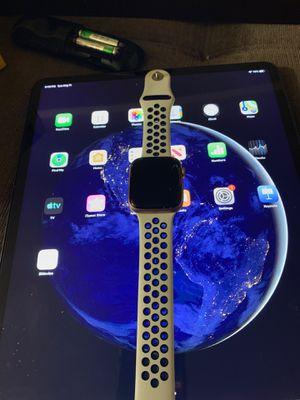 Cracked Apple Watch series 4 44mm for Sale in Alexandria, VA