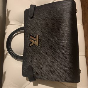 NEW Louis Vuitton Epi Noir Twist Tote for Sale in Seattle, WA