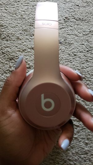 Beats Solo 2 Wireless - Rose Gold for Sale in Monroeville, NJ