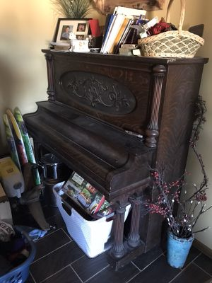 Piano Starck Cabinet Grand for Sale in Smithville, MO
