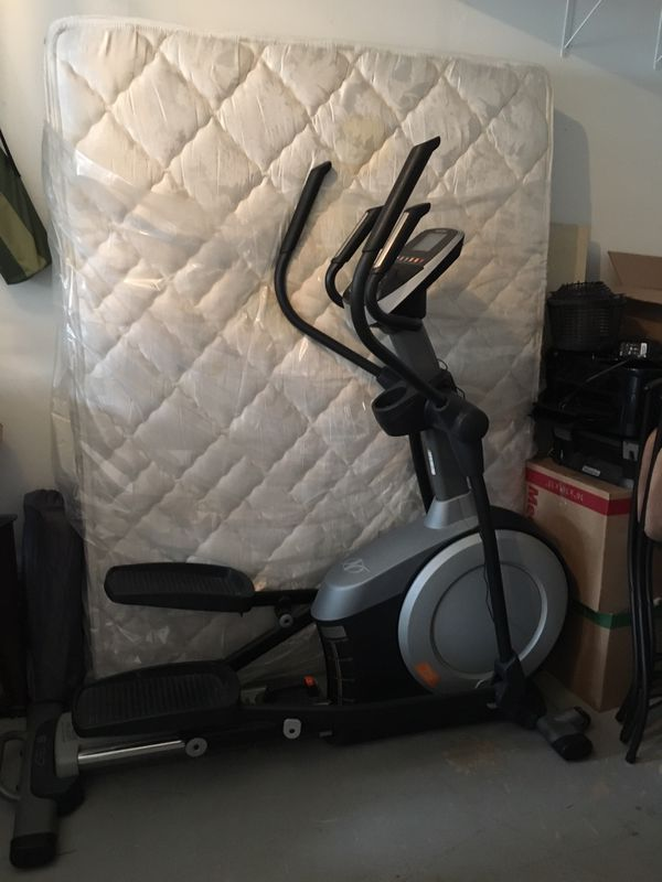 NordicTrack 5.7 elliptical