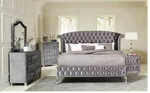 Deanna Bedroom Traditional Metallic Queen Four-piece Set for Sale in Naples, FL