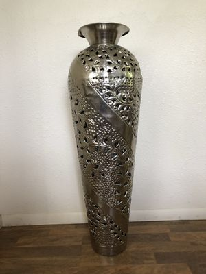 Decorative vase for Sale in Honolulu, HI