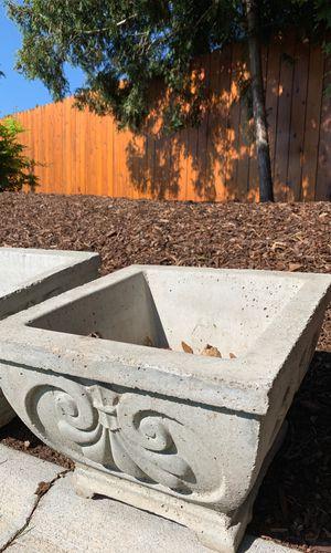 Concrete planter perfect condition no cracks for Sale in Wenatchee, WA
