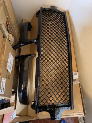 99-02 Chevy Silverado 00-06 tahoe suburban badgeless diamond mesh black grill for Sale in Los Angeles, CA