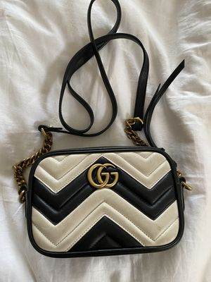 Used Gucci Marmont Black & White Camera Bag for Sale in Los Angeles, CA