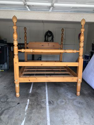 Queen size bed with mattress, for Sale in Sacramento, CA