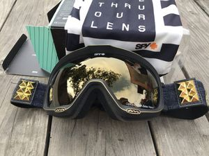 Carl Zeiss SPY ski / snowboard goggles for Sale in Los Angeles, CA