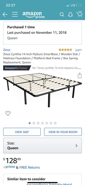 Queen bed frame (like new) for Sale in Chicago, IL