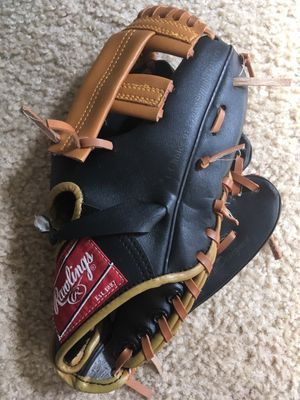 Rawlings Boys Baseball Glove for Sale in Lumberton, NJ