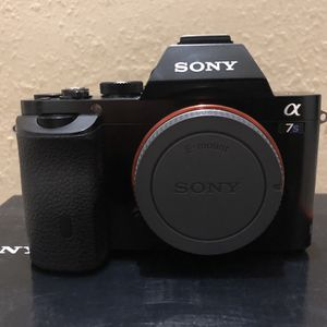 Sony A7S Body Only with Orignal Box for Sale in Los Angeles, CA