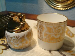 Vintage Working Gold Florentine Bone China Lighter & Cigarette Cup By Wedgwood!! for Sale in Corinth, TX