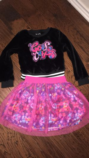 Trolls outfit size 6 for Sale in LaCoste, TX