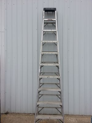 10 foot ladder for Sale in Houston, TX