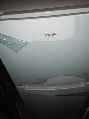 Whirlpool Fridge and freezer for Sale in Redmond, WA