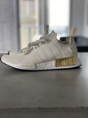 NEW Adidas NMD_R1 shoes Boost cream/gold Women's 9.5 / Men's 8 for Sale in Miami, FL