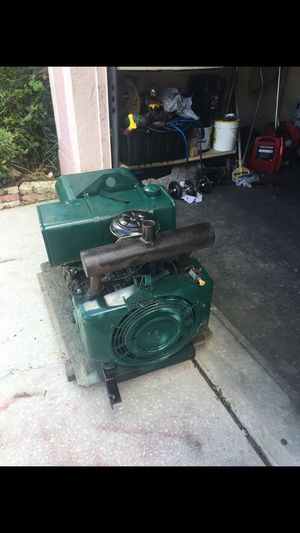 Welder miller 225 amp generaitor 8000 need carburaitor work for Sale in Tampa, FL