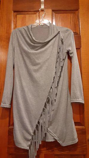 M/l grey fringe top for Sale in Overland Park, KS