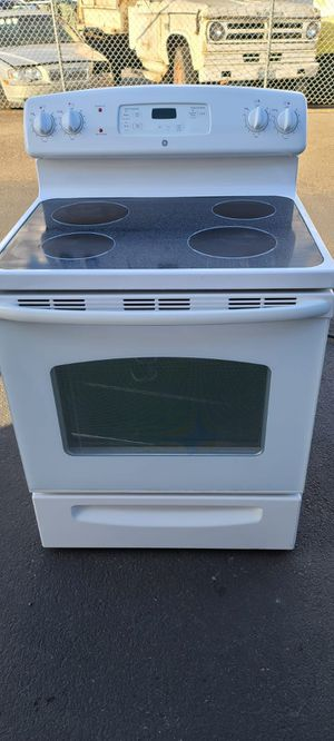 Ge Electric Stove good condition(can deliver for free up to 15 miles(small fee for gas if over 15 miles for Sale in Auburn, WA