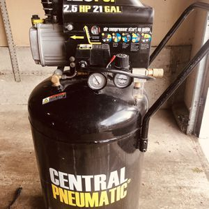 Air compressor 21 Gallons 125 PSI for Sale in Bellevue, WA