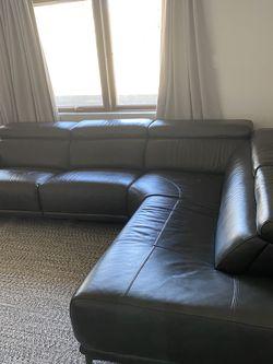 Modern Dark Gray Leather Section w/recliner for Sale in Phoenix,  AZ