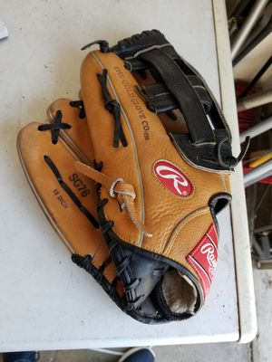 "13"" Rawlings Lefty left baseball softball glove broken in for Sale in Downey, CA"