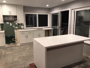 Solid wood kitchen RTA cabinet on sale ! Factory direct Wholesaler for Sale in Lawndale, CA