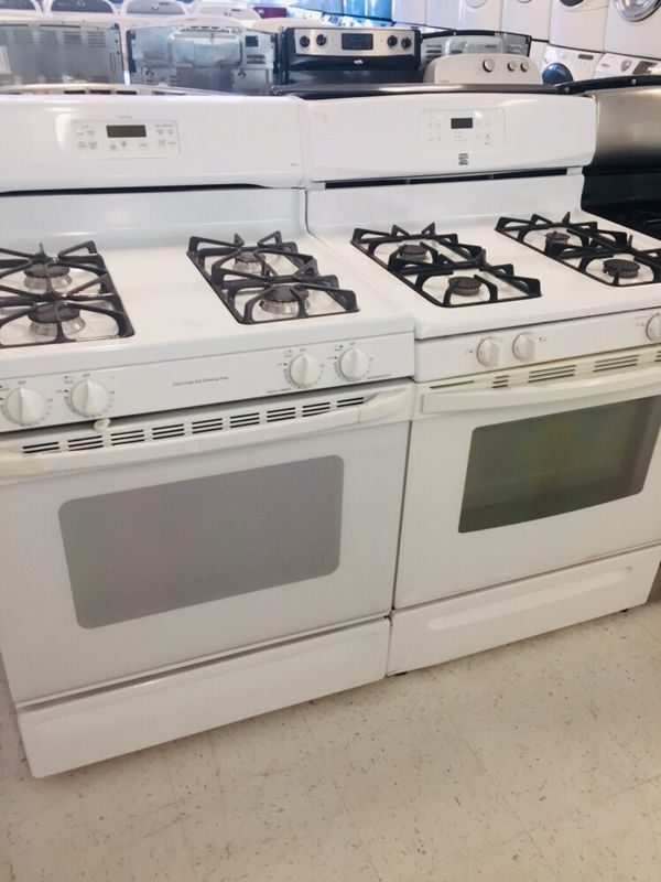 🔥🔥white GE gas stove in excellent condition 90 days warranty 🔥🔥