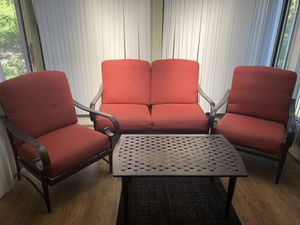 Outdoor Patio Furniture Like New for Sale in South Park Township, PA