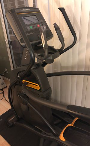 Essentially unused Matrix A30 Elliptical for Sale in West Los Angeles, CA