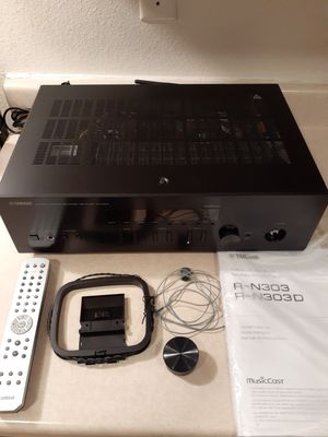 Yamaha R-N303BL Stereo Receiver Wifi/Bluetooth for Sale in Las Vegas, NV